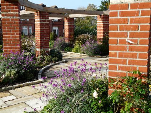 Garden Structures 1