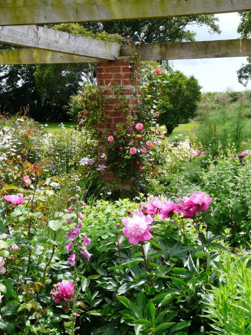 Garden Structures 10