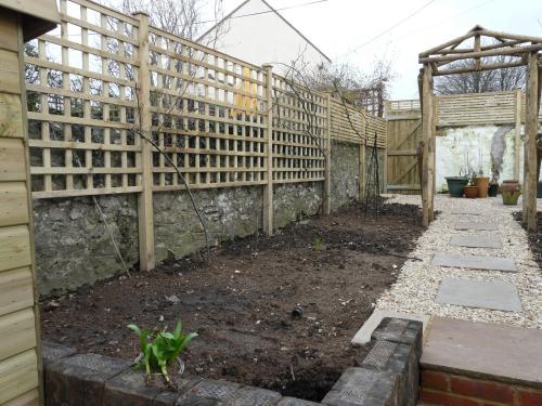 Garden Structures 4