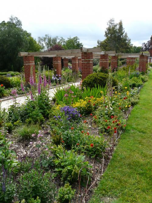 Garden Structures 5